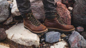 راهنمای خرید بهترین کفش کوهنوردی - لیست ابزار