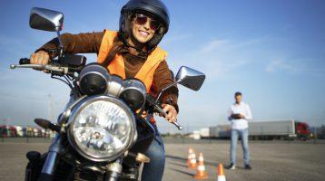 راهنمای خرید بهترین موتورسیکلت مجاز در ایران - لیست ابزار